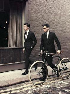 Costume et vélo R