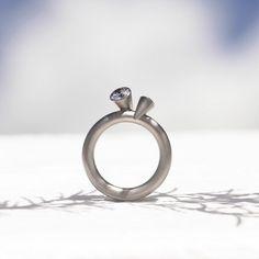 コーン2という2つの方向を向くダイヤモンド♡ *エンゲージリング 婚約指輪・オーダーメイドまとめ一覧*