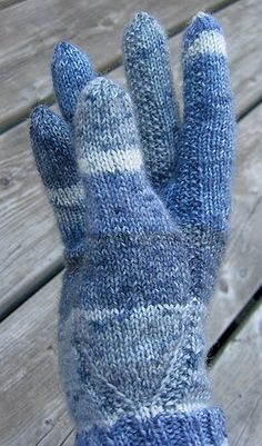 Gloves for arthritic hands - detail