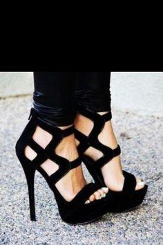 Lust black heels #ConvertToBlack