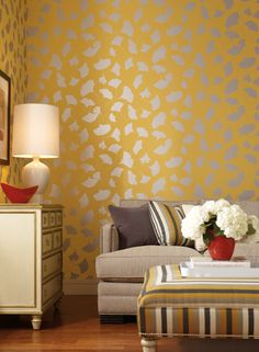 Ginko in silver metallic: Pattern 'Leone' Contempo Collection York Wallcoverings