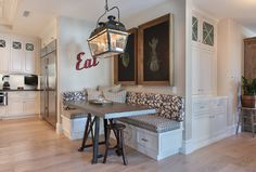 Banquette done right!  #kitchen Brandon Architects, Inc.
