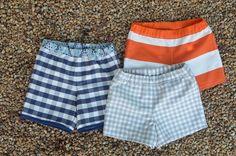 Pantalones cortos niño. Referencia patrón gratuíto Boys Sewing Patterns, Sewing For Kids, Toddler Swim Trunks, Short Niña, Baby Kids Clothes, Diy Clothing, My Baby Girl, Needle And Thread, Baby Boy Outfits