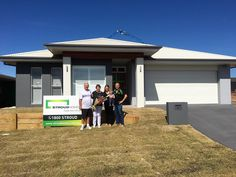 Congratulations to these fantastic customers! This is the first Stroud Home to be built in Port Macquarie and what an amazing home it is. We wish our customers all the best in their brand new home! #stroudhomes #stroudandproud #newhome #handover #firsthome #celebrate #locals