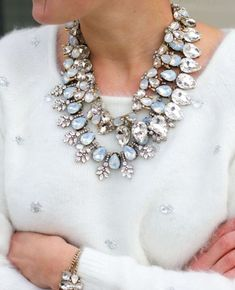 classy statement necklace How to wear statement necklaces  http://www.justtrendygirls.com/how-to-wear-statement-necklaces/