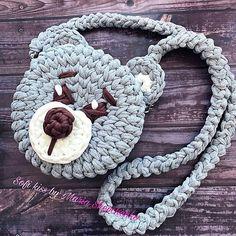 Dia de fofura! . . . By @marusya_525 . . . #crochelovers #inspiracao #inspiration #bag# #fiosdemalha #trapillo #yarn #crocheteiras #crochet #crocheting #crochetlove #crochetingaddict #croche #yarnlove #yarn #knitting #knit #penyeip #craft #feitoamao #handmade #euamocroche #croche #croché #croshet #totora #penyeip #вязаниекрючком #uncinetto #かぎ針編み #bolsa #bolsotrapillo #bolsadecroche