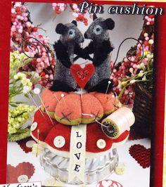 PATTERN - Love on a Pincushion - cute mice sewing accessory PATTERN