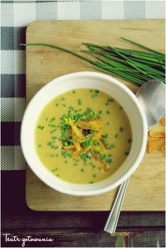 cream soup with red lentil and apricot.