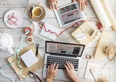 #cadeau #computer #gratis #inpakken #stockfoto #tafel #werk #werken