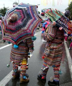 HUMAN YARN BOMBING. It's raining yarn...