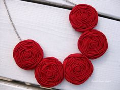 Red Rosette Necklace Fabric Necklace Rosette от SweetCamiJayne