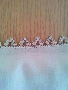 This Pin was discovered by Hat - Harika El işleri-Hobiler Needle Lace, Bobbin Lace, Yarn Crafts, Diy And Crafts, Lace Bunting, Hairpin Lace, Point Lace, Lace Jewelry, All Craft