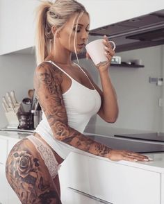 #tattoos #tattooart #girlswithtattoos #mondaymorning