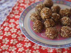 date + almond balls in the thermomix - gluten free, dairy free, sugar free, paleo