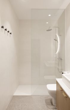 Kresala is a minimalist interior located in Donostia, Spain, designed by Bade Interiorismo Donostia Small Bathroom Interior, Modern Bathroom Decor, Bathroom Layout, Modern Bathroom Design, White Bathrooms, Luxury Bathrooms, Master Bathrooms, Dream Bathrooms, Minimalist Small Bathrooms