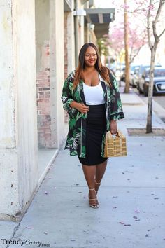 Outfit plus size Black Midi Skirt With Green Patterned Kimono Curvy Outfits, Summer Fashion Outfits, Summer Outfits Women, Trendy Outfits, Fall Outfits, Fashion Ideas, Plus Size Dresses, Plus Size Outfits, Dresses Uk