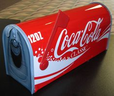 Coca-Cola - fl oz Cans Vintage Coca Cola, Coca Cola Ad, Always Coca Cola, World Of Coca Cola, Coca Cola Bottles, Coke Cans, Unique Mailboxes, Painted Mailboxes, Drink