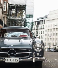 All-time favorite: The Mercedes-Benz 1960 300 SL Gullwing (W 198). Via oldcar_photos.