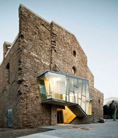 Convento em Santpedor combina moderno com o antigo