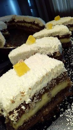 Greek Sweets, Greek Desserts, Greek Recipes, Cookbook Recipes, Dessert Recipes, Cooking Recipes, Greek Pastries, Kolaci I Torte, Custard Cake
