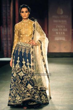 Anju Modi's Collection at Indian Couture Week 2014