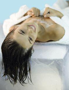 tratamiento telangectasias: La nueva luz pulsada, Ellipse I2PL, es más segura y efectiva. Emite luz con una mayor amplitud de longitudes de onda –de lo que había hasta ahora en el mercado-, lo que hace que el tratamiento sea más efectivo, y con menos dolor. Resultados: Después de 4 sesiones puede eliminar la lesión vascular, alisar la piel, cerrar el poro, lograr un tono más uniforme y rosado, y un aspecto más joven. Sesiones: Entre 3 y 5, a razón de una al mes. Precio: 180 €/sesión.