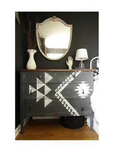home decor tips We love southwestern-style decor! these DIY decorating tips to work geometric patterns, deep color palettes, and natural elements like wood and leather into your homes decor -- all with a rustic, Bohemian flair. Unique Home Decor, Home Decor Styles, Cheap Home Decor, Home Decor Accessories, Decorative Accessories, Decorative Items, Southwestern Style Decor, Southwestern Decorating, Apartment Decoration