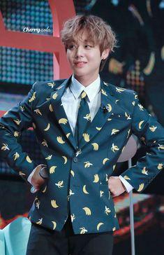 61 Kg, Kim Jaehwan, Jinyoung, Parks, Rapper, Suit Jacket, Group, Singers, Actresses