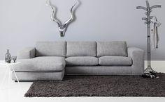 Ruime loungebank in strak design met hoogwaardige chromen plint. De chaise longue maakt deze uitvoering tot een stijlvolle familiebank. Hoekbank Infinity in lichtgrijze stof zorgt voor een bijzonder smaakvol accent in uw interieur. Het gebruik van duurzame materialen en het aangename zitcomfort staan garant voor jarenlang woonplezier. U krijgt op zitmeubel Infinity dan ook 10 jaar garantie. Sofa, Couch, Contemporary, Modern, Living Room, House Styles, Inspiration, Furniture, Home Decor