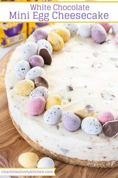 Mini Egg Cheesecake - A smooth white chocolate cheesecake with a cruchy biscuit base of lots of mini eggs running through it. Mini Egg Cheesecake - A smooth white chocolate cheesecake with a cruchy biscuit base of lots of mini eggs running through it. Easter Cheesecake, Cheesecake Recipes, Dessert Recipes, Baked White Chocolate Cheesecake, Desserts Ostern, Biscuits, Easter Chocolate, Chocolate Chocolate, Chocolate Treats