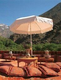 Aussergewöhnliche Hotels: Kasbah du Toubkal, Sonnenterrasse