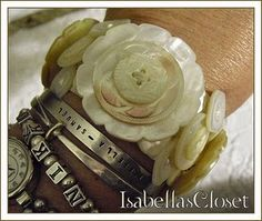 ❥ Vintage Mother of Pearl Button Bracelet