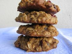 Low Fat Applesauce Oatmeal Cookies. Moist + Chewy. Full of good for you ingredients. 92 calories, 2 Weight Watchers Points Plus. http://simple-nourished-living.com/2009/03/applesauce-oatmeal-cookies/