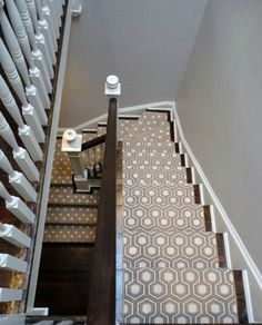 Choosing a Stair Runner: Some Inspiration and Lessons Learned. a year after moving in, we replaced that wall-to-wall carpet with a stair runner. Grey Stair Carpet, Carpet Stairs, Stairway Carpet, Red Carpet, Dark Carpet, Basement Carpet, White Carpet, Leopard Carpet, Sisal Carpet
