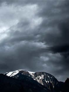 #mountains #travelingram #natureperfection #capturingmoments #winter #photo #travelpic #travelphoto #travelphotography #natureofrussia #wind #cloud #olympus #olympusomd #zuikolens