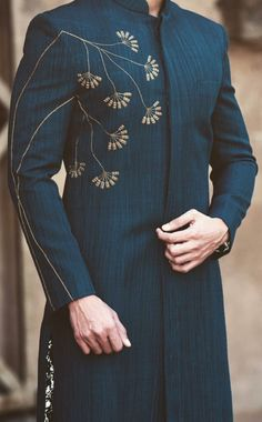 Best Trendy Outfits Part 25 Sherwani For Men Wedding, Wedding Dresses Men Indian, Indian Wedding Wear, Wedding Dress Men, Wedding Men, Wedding Groom, Bride Groom, Indian Men Fashion, Mens Fashion Suits