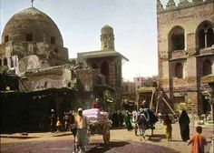 The Kalaoun Mosque in Cairo, built in the early 14th century.   These Color Photos Of Cairo In 1910 Will Blow Your Mind