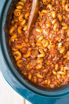 "Slow Cooker Chili Mac is an easy comforting dish made right in your crock pot!! | <a href=""http://www.countrysidecravings.com"" rel=""nofollow"" target=""_blank"">www.countrysidecr...</a>"