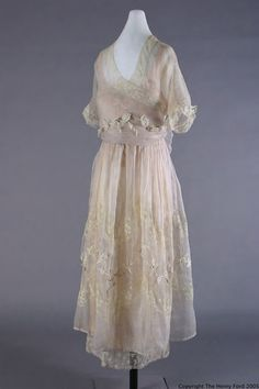 Dress of chiffon, tulle & lace by Lucile, Lady Duff Gordon, 1918.
