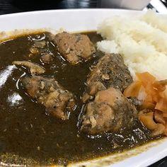 社食の薬膳カレー美味いと思う…! #カレー #カレー部 #東京 #ランチ #飯テロ #スパイス #チキン #美味い #社食 #肉  #tokyo #meguro  #curry #japanesefood #hot #tastegood #lunch #japan #lacomida #咖喱 #餐飲 #카레 #일본음식 #식품 #ジュピカレ記録 #112食目