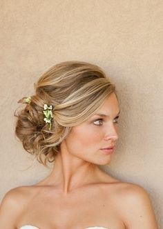 The side updo is so popular, I wore one for my own wedding. See 19 amazing styles for inspiration. These are great for weddings, proms and any formal occasion.: Gorgeous Side Updo: Perfect for Long Hair Wedding Hairstyles For Medium Hair, Medium Hairstyles, Bride Hairstyles, Pretty Hairstyles, Hair Medium, Hairstyle Ideas, Black Hairstyles, Medium Brown, Up Dos For Medium Hair