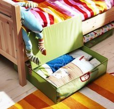 Smarter storage makes more room for fun!  Make the most of your space with KUSINER foldable underbed storage boxes.