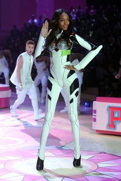 MECHA GUY: Rei Plugsuit Lookalike Shows Up at Victoria's Secret Fashion Show [News via AnimeNewsNetwork]