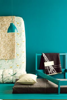 i just want one room in my house to have a crazy beautiful color, like this one :)