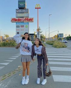 Cute Friend Pictures, Best Friend Pictures, Cute Photos, Friend Pics, Bff Goals, Best Friend Goals, Indie Outfits, Cute Casual Outfits, Trendy Summer Outfits