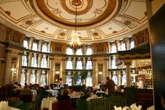 Fort Garry Hotel in Winnipeg, Manitoba, Canada...can't wait to go for my nite caps!!! You just never know!!!!
