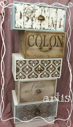 Decoupage Furniture, Chalk Paint Furniture, Refurbished Furniture, Repurposed Furniture, Furniture Makeover, Diy Furniture, Vintage Farmhouse, Vintage Wood, Wooden Drawers
