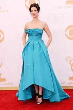 September 22 2013  Jessica Pare chose a gown and heels from the Oscar de la Renta spring/summer 2014 collection.
