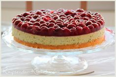 pistacho cake with cherrys and white chocolate