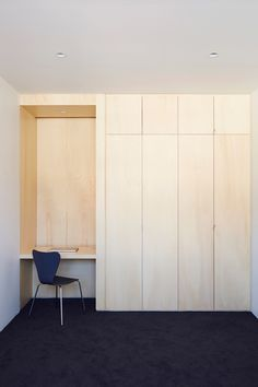 Project 12 uses plywood to convert Melbourne warehouse Plywood Furniture, Closet Minimalista, Ideas Dormitorios, Inside A House, Bedroom Cupboard Designs, Melbourne House, Built In Wardrobe, Home Bedroom, Interiores Design